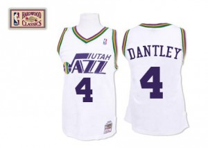 Maillot NBA Blanc Adrian Dantley #4 Utah Jazz Throwback Authentic Homme Mitchell and Ness