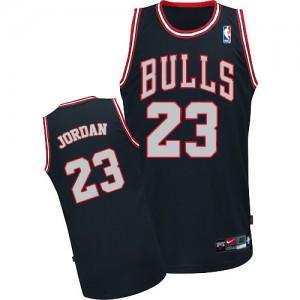 Maillot NBA Noir / Blanc Michael Jordan #23 Chicago Bulls Authentic Homme Adidas