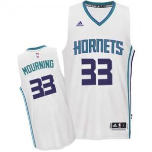 Charlotte Hornets #33 Adidas Home Blanc Swingman Maillot d'équipe de NBA Vente - Alonzo Mourning pour Homme