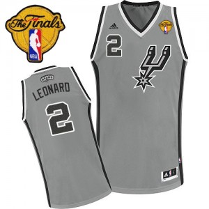 Maillot NBA San Antonio Spurs #2 Kawhi Leonard Gris argenté Adidas Swingman Alternate Finals Patch - Enfants